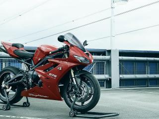 обои Мотоцикл Triumph Daytona 675 фото