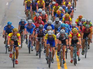 обои для рабочего стола: Парад велогонщиков