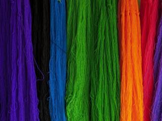 обои Разноцветная пряжа фото