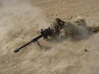 обои Снайпер лежит фото