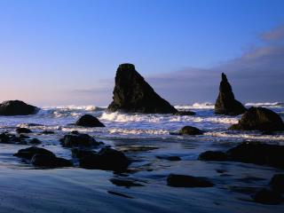 обои Скалы на мелководье фото