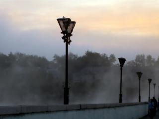 обои Краснотурьинск - дым над водой фото