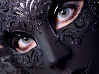 обои Девушка в венецианской маске фото