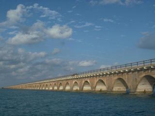 обои Бесконечный мост фото