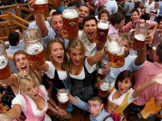 обои Выпьем пива друзья фото