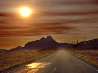 обои Пустынная дорога в ненастную погоду фото