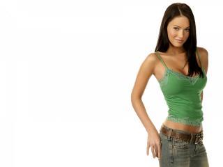 обои Симпотичная девушка в зеленом фото