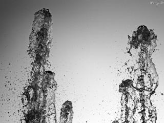 обои Черно-белый фонтан фото