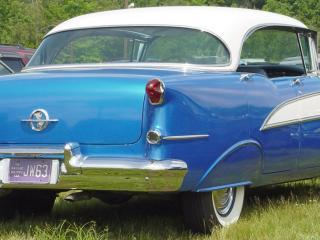 обои Oldsmobile 88 four door фото