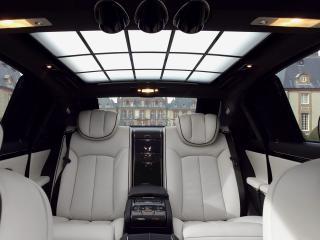 обои An interior view of the luxurious Maybach 62S  фото