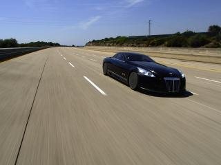 обои The sleek Maybach Exelero travelling at speed  фото