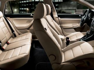обои 2011 Volkswagen Jetta Sportwagen салон сбоку фото