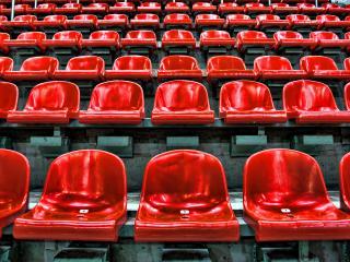 обои Стулья на стадионе фото