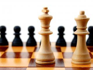 обои Игра в шахматы фото