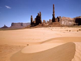обои Постройка в пустыне фото