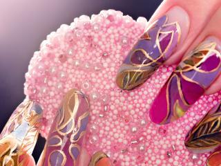 обои Маникюр - Пёстрый модный рисунок ногтей фото