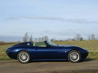 обои 2008 Lightning GT на обочине фото