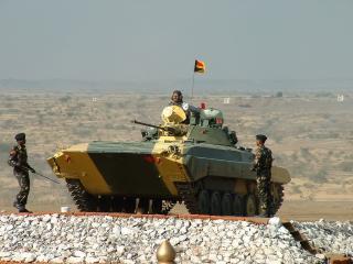 обои Индийская БМП-2 фото