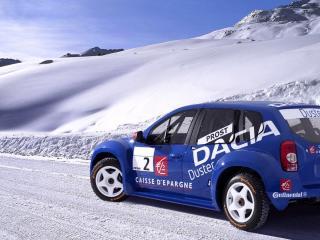 обои Автомобиль Dacia на снегу фото