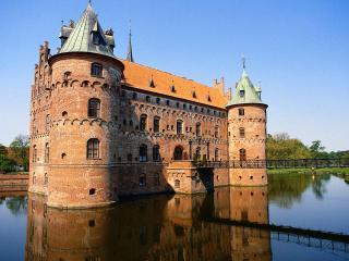обои Замок в воде фото