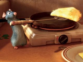 обои Мышонок готовит завтрак фото