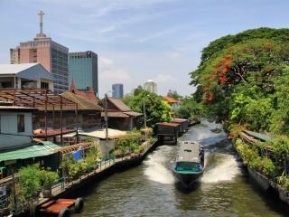 обои Канал в городе фото