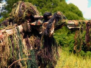 обои Снайпер в готовности фото