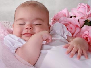 обои Засыпающая девочка фото