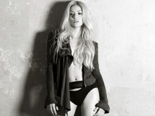 обои Shakira,   чёрно-белое фото