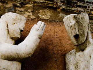 обои Скульптуры двух людей фото