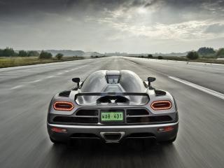 обои Koenigsegg,   вид сзади фото