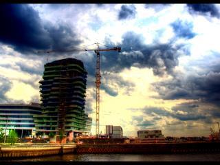 обои Строительство в пасмурную погоду фото