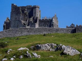 обои Развалины средневекового замка фото