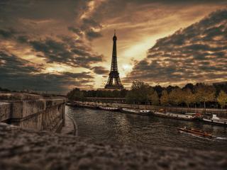 обои Вид на Эйфелеву башню со стороны Сены фото