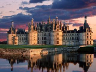 обои Дворец на фоне вечернего неба фото