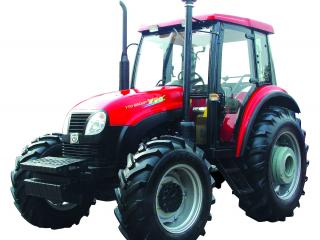 обои Красный новый трактор фото