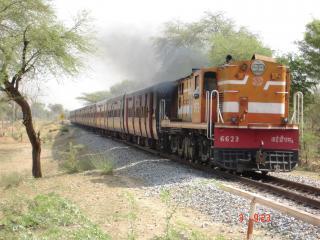 обои Поезд в Индии фото
