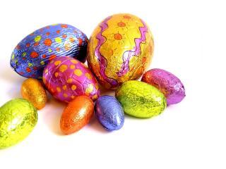 обои Пасхальные яйца различных размеров фото