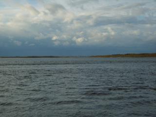 обои Печора в пасмурную погоду фото