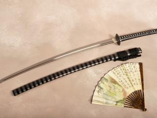 обои Меч самурая и веер фото