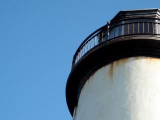 обои Белый маяк крупным планом фото