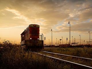обои Старый поезд на путях фото