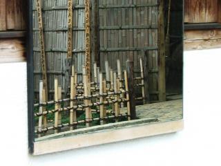 обои Небольшой заборчик в азиатском доме фото