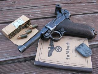 обои Немецкий пистолет патроны фото