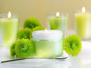 обои Косметика - Крем для лица, зеленые цветы, свечи фото
