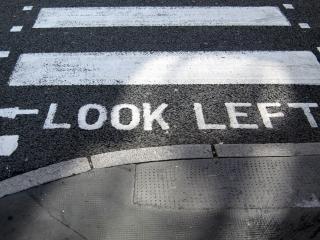 обои Разметка на тротуаре фото