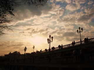обои Фонари на набережной,   там где встречают закаты фото