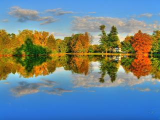 обои Осень у чистого озера фото