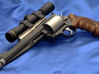 обои Револьвер с оптикой фото
