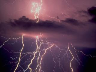 обои Целая сеть молний по небу фото